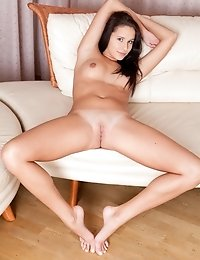 Simple Smile, Deep Grey Eyes, Extra Sweet Outlook. This Fresh Nude Model Will Bring Satisfaction For