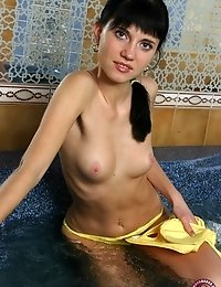 Petite College Girl Washes Her Terrific Body