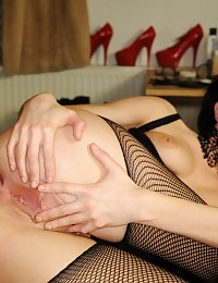 Busty goth babe Aliz goes naughty and dildos pussy
