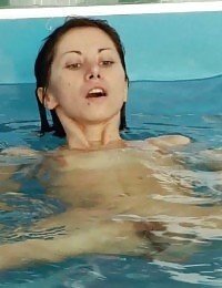 Nude gym bitch for water sex exercising