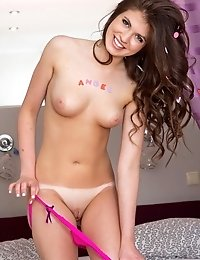 For A Teen With Her Beauty She Gives All Of Her Charm To Completely Seduce You And Make You Want To